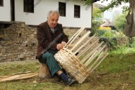 Master basket makers in Etar museum - pictures from Bulgaria